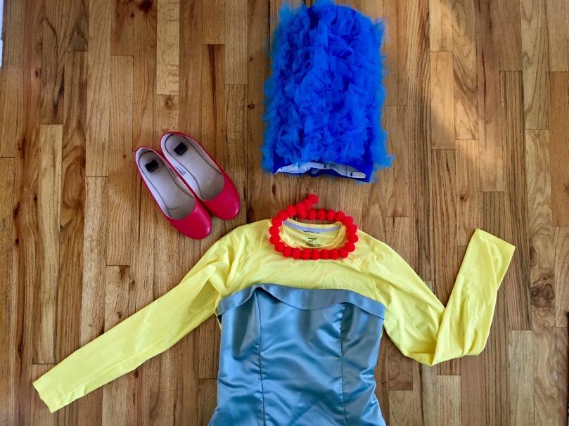 a DIY Marge simpson wig