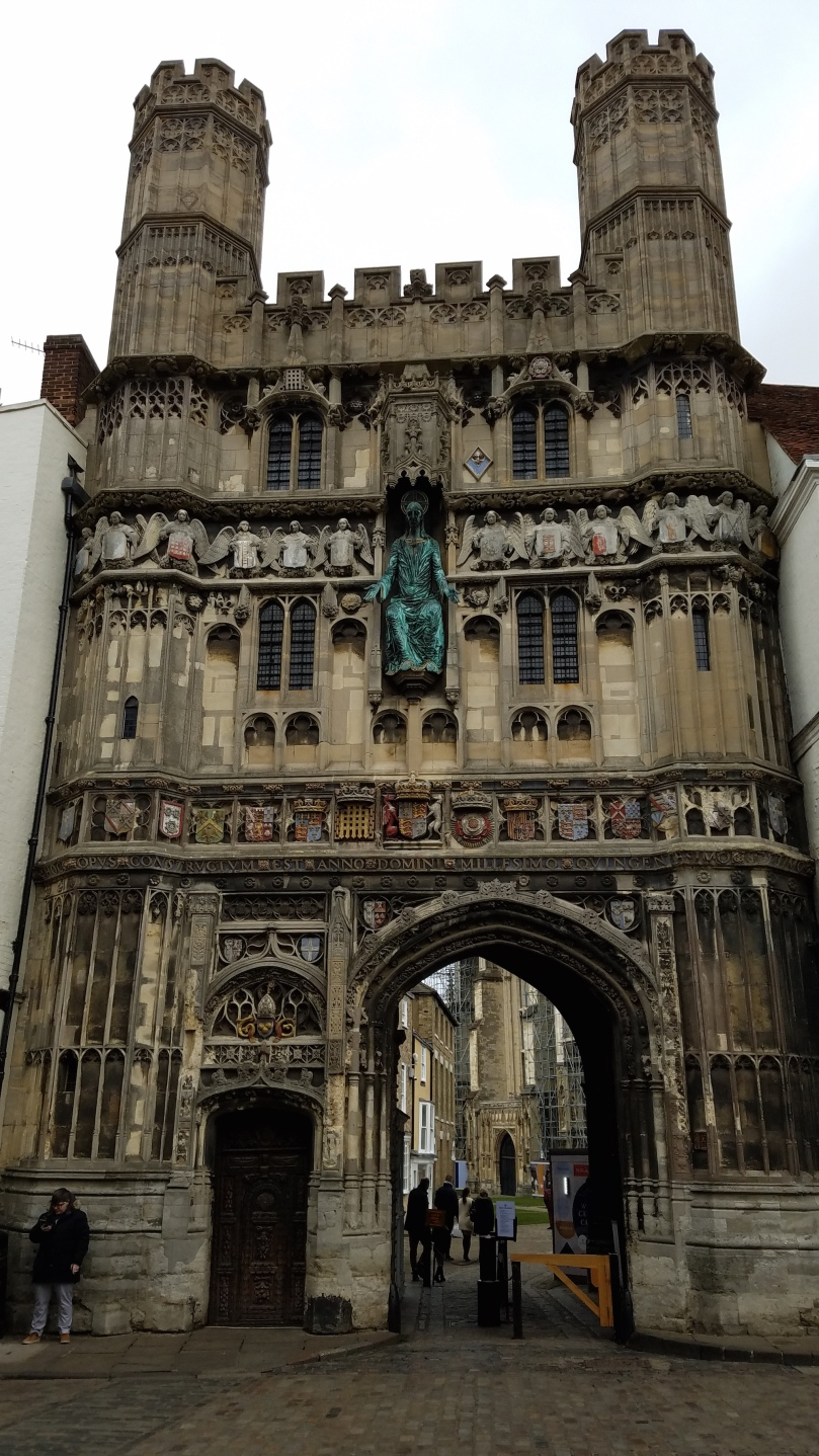 entrance to canterbury cathedral